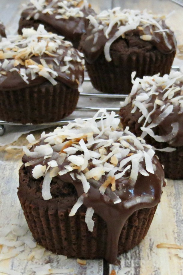 Chocolate-Coconut-Cupcakes-